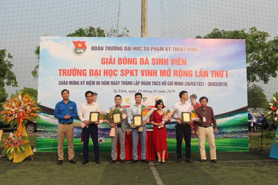 Khai mạc giải bóng đá nam sinh viên chào mừng 88 năm ngày thành lập Đoàn TNCS Hồ Chí Minh và tháng Thanh niên 2019