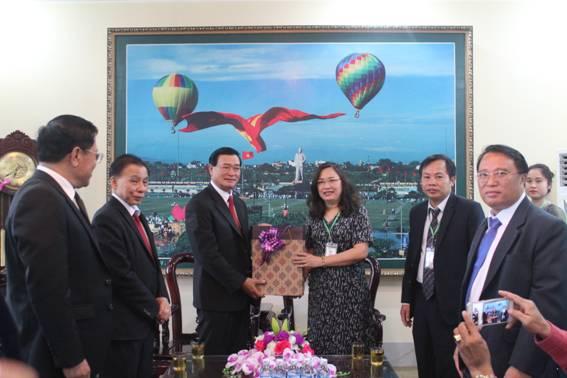 Đoàn công tác của Bộ Giáo dục và Thể thao nước CHDCND Lào thăm và làm việc với trường Đại học Sư phạm kỹ thuật Vinh